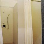 陸上競技場 シャワー室